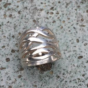 Sterling silver open design band ring 7